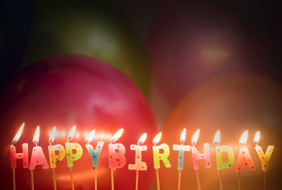 background-balloons-birthday-1415557
